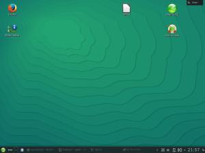 openSUSE 13.2 Beta1 - Il desktop KDE, senza plasmoidi e con la configurazione classica per le icone.